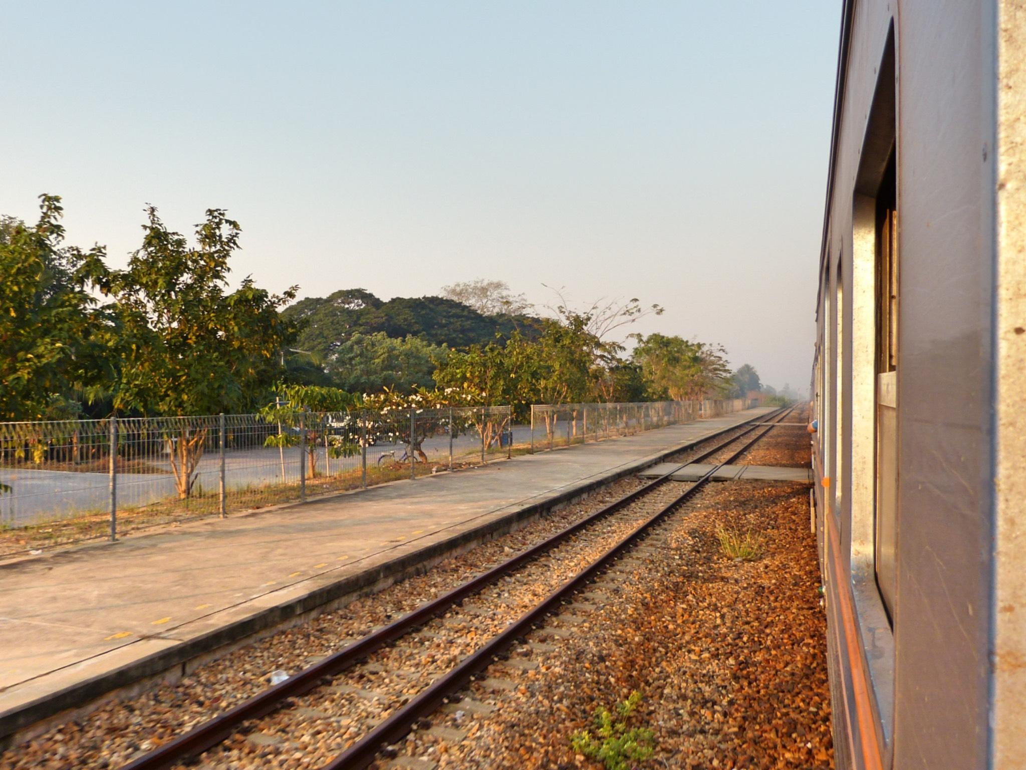 Von Bangkok nach Siem Reap: Anreise per Zug, Bus oder Flug